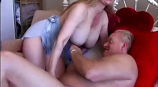 Busty blondie in a poolside dildoing in bed