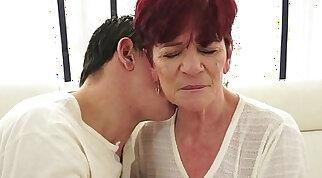 Redhead grannys shavedpussy fucked