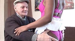 Big Ass Ebony Sluts Sucking Pauly Dick In Pornstar Threesome