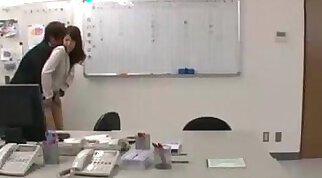 Office Lady Rapped By Guys Fingered And Licked On The Chair In The Office