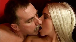 blonde machine fucking hairy cunt and doggystyle