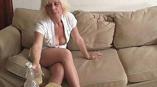 Old widow enjoys two fresh cocks