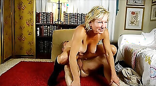 Big tits body in high heels compilants assampuch